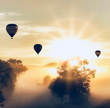 air-balloons-at-dawn